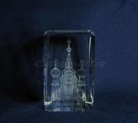 Храм Василия Блаженного. Сувениры для иностранцев и гостей столицы.