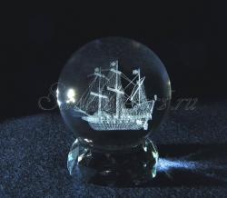 Английский парусник. Сувенир. Лазерная гравировка в стеклянном шаре.