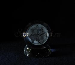 Футбольный мяч. Сувенир из стекла с лазерной гравировкой.