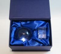 Подарочная упаковка для стеклянных шаров.