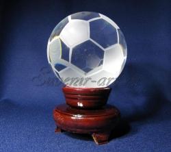 Стеклянный футбольный мяч. Сувенир.