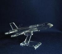 Модель самолёта из стекла.